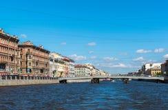 St Petersburg Rosja, Czerwiec, - 04 2017 Gorstkin most i Fontanka rzeki bulwar Zdjęcia Stock