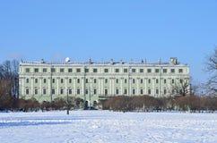 St Petersburg, Rosja, Luty, 27, 2018 Saltykov ` s dom - uniwersytet kultura od strony Marsovo słup na Millionnay Zdjęcia Stock