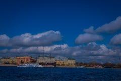 ST PETERSBURG, ROSJA, 01 2018 MAJ: Stara fregata Letuchiy Gollandets: Galeonu statek zawiera salowego Fotografia Royalty Free