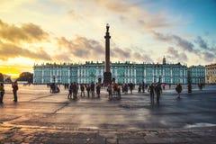 St Petersburg, Rosja upływ przy zmierzchem Zdjęcia Stock