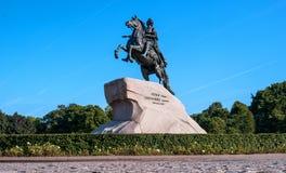 St Petersburg Rosja, Wrzesień, - 24, 2017: Zabytek tsar Peter i imperator Ja Wielki - Brązowi jeźdzowie Fotografia Stock