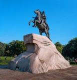St Petersburg Rosja, Wrzesień, - 24, 2017: Zabytek tsar Peter i imperator Ja Wielki - Brązowi jeźdzowie Obrazy Royalty Free