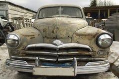 St Petersburg, Rusia, coche retro abandonado Moskvich-M20, restauración del coche viejo imagen de archivo libre de regalías
