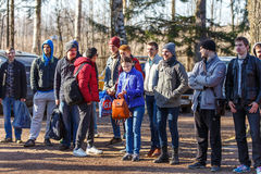 St Petersburg, Rusia - 10 de abril de 2016: Torneo del estudiante de Paintball de la universidad de Bonch Bruevich en el club de  Fotos de archivo libres de regalías