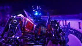 ST PETERSBURG, RUSIA - 23 DE FEBRERO DE 2017: Estatua de los robots del transformador almacen de metraje de vídeo
