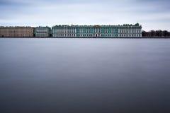 St Petersburg, Rusia, el 10 de abril de 2017: Palacio del invierno de Nev Imagen de archivo