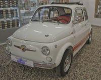 ST PETERSBURG, RUSIA el 25 de enero de 2015 Exposición de los coches del vintage Foto de archivo libre de regalías