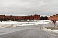 St Petersburg, Rusia, el 10 de marzo de 2019 Vista del helipuerto cerca del arsenal y el Peter y Paul Fortress en primavera tempr imágenes de archivo libres de regalías