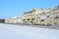 St Petersburg, Rusia, febrero, 27, 2018 St Petersburg, terraplén del río de Fontanka en invierno Fotos de archivo