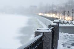 St Petersburg, Rusia, opinión del invierno del río theimpenetrable Fotos de archivo