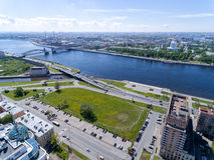 St Petersburg, Rusia Puente de Bolsheokhtinsky fotos de archivo