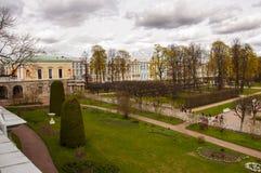 St Petersburg, Rusia, Tsarskoye Selo en Pushkin 10 de mayo de 2019 Los parques que caminan saltan foto de archivo libre de regalías