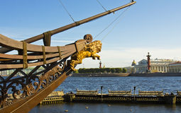 St. Petersburg, mening op eiland Vasilyevskiy Stock Afbeeldingen