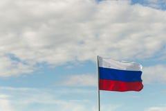 St. Petersburg, Rusland - Juni 28, 2017: Vlag van Rusland in de wind in St. Petersburg Stock Foto's