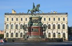 St. Petersburg, Rusland, 10 September, 2012 Het monument aan de Keizer Nicholas 1 in St. Petersburg Royalty-vrije Stock Foto