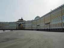 St Petersburg, RUSSIA – 30 aprile 2019: Esterno delle sedi principali sul quadrato del palazzo, St Petersburg, Russia immagini stock