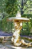 St Petersburg, RUSSIA-28 de agosto de 2016 Fonte Triton em Peterhof Fotografia de Stock Royalty Free