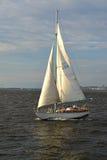 ST petersburg Russia Żeglowanie chodzący jacht iść przez Srednyaya Nevka w letnim dniu Obraz Royalty Free