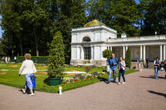 ST PETERSBURG, RUSSIE - 2 AOÛT 2015 : Colonnades de Voronikhinsky Photo stock