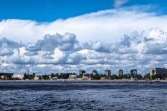 ST PETERSBURG, RUSSIE - 29 AOÛT 2018 : vue sur le remblai de Sverdlovskaya photographie stock libre de droits
