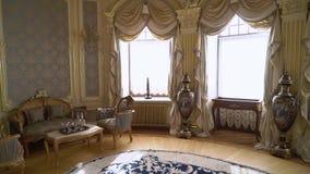 ST PETERSBURG, RUSSIE - 6 AVRIL 2019 : Intérieur royal de luxe clips vidéos