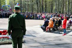 St Petersburg, Russland, im Mai 2019 Eine Gruppe Kriegsveteranen zur Feier Victory Days am 9. Mai in einem Stadtpark stockfoto