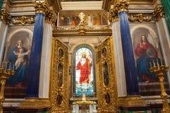 St Petersburg, Russland Innenraum des St. Isaac Cathedral Buntglasfenster, Bibelmalereien und Innen-decoratios lizenzfreie stockfotografie
