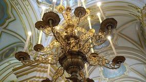 ST PETERSBURG, RUSSLAND - 10. JUNI 2019: Christentumskathedraleninnenraum stock video footage