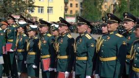 ST PETERSBURG, RUSSLAND - 20. JUNI 2019: Russische Armeesoldaten stock footage