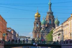 ST PETERSBURG, RUSSLAND - 28. MAI 2015: Ansicht der Kirche des Retters auf Blut Lizenzfreies Stockfoto