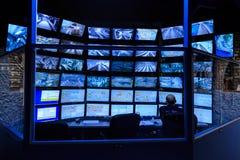 St Petersburg, Russland - 13. Mai 2017: Leitstelle des großartigen russischen Plans der Anziehungskraft Ist die größten Pläne her Lizenzfreie Stockfotografie