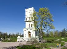 ST PETERSBURG, RUSSLAND - 7. MAI 2016: Palastpavillon Turm 1821-1827 in Tsarskoye Selo in Aleksandrovsky-Park, Pushkin, Russ Lizenzfreie Stockbilder