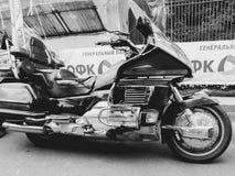 St Petersburg, Russland, 06 08 2017: Motorrad auf den Straßen von St Petersburg Lizenzfreie Stockbilder