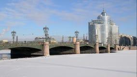 St Petersburg Russland Sampsonievsky-Brücke stock video