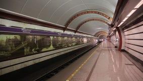 St Petersburg Ryssland December 3, 2018 tunnelbanastation Obvodny Kanal lager videofilmer