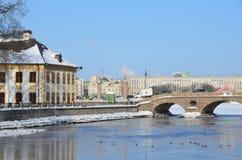 St Petersburg Ryssland, Februari, 27, 2018 Fragment av sommarslotten av Peter det stort i St Petersburg och den Fontanka rien arkivfoton