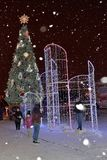St Petersburg Ryssland - Januari 02, 2017: Folket tar bilden Arkivbild
