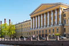 St Petersburg Ryssland - Juni 04 2017 Obukhov sjukhus Militär-läkarundersökning akademi Arkivbilder
