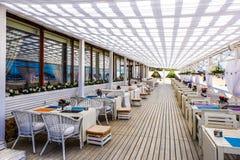St Petersburg Ryssland 05 25 restaurang 2018 på stranden Arkivbild
