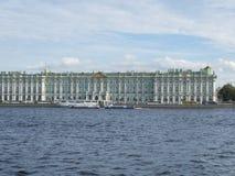 St Petersburg Ryssland September 09, 2016 sikt av vinterslotten i St Petersburg, Ryssland Royaltyfri Foto