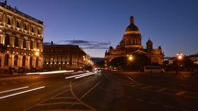 St Petersburg sikt av Time-schackningsperiod för domkyrka för ` s för St Isaac fotografi lager videofilmer