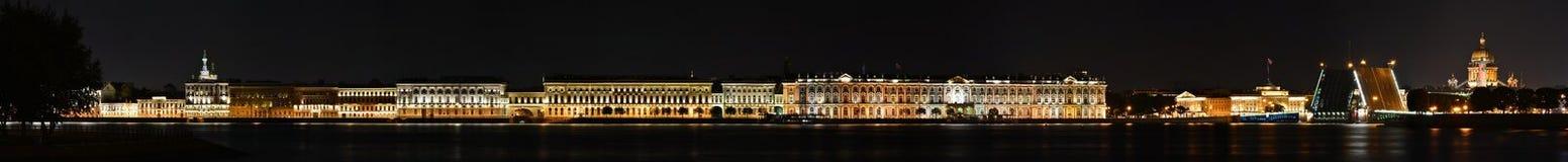 St Petersburg slottinvallning Royaltyfria Bilder