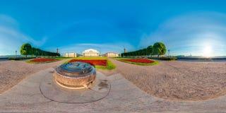 St Petersburg - 2018: Spottat av Vasilyevsky Island vita nätter blå sky sfärisk panorama 3D med vinkel för visning 360 Klart f Arkivbilder