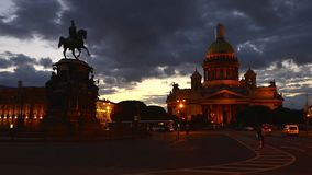 St Petersburg St Isaac Cathedral And Monument To Nicholas 1st Time Lapse Photography stock footage