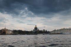 St Petersburg sur un orage Photos libres de droits