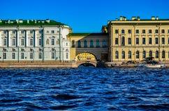 St Petersburg, terraplenagem do palácio, imagem de stock