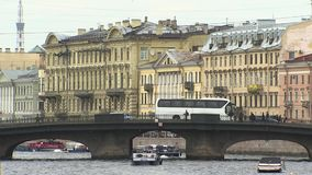 St Petersburg, terraplenagem do rio Neva filme