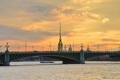 St Petersburg Trinitybro Fotografering för Bildbyråer