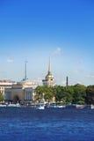 St Petersburg. Une vue de l'Amirauté par Neva Image libre de droits