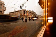 St Petersburg, vista di prospettiva di Nevsky dalla finestra del caffè Immagine Stock Libera da Diritti